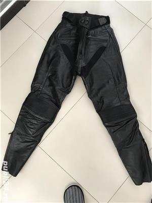 Vand pantaloni moto cu protectii - imagine 1