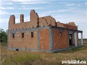 Teren si casa in constructie in localitatea Pischia - imagine 3