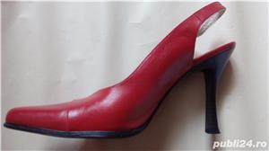 Vande pantofi din piele de culoare rosie - imagine 2