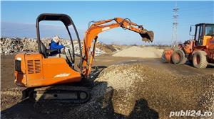 Executam sapaturi excavati  demolari transport moloz  - imagine 2