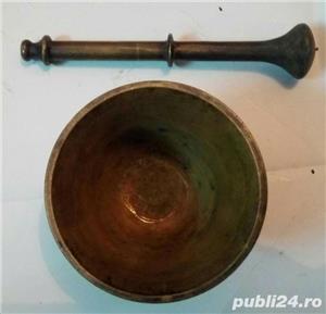 Mojar cu pistil din bronz masiv 1,4 Kg 12x11 cm frumos decorat vechi - imagine 7