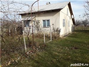 vand casa la tara,garaj,gradina pomi fructiferi,put in curte,vie,padure com.Rica,jud.Arges - imagine 3