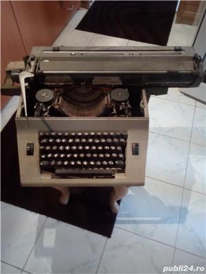 Masina  veche  de  scris - imagine 1