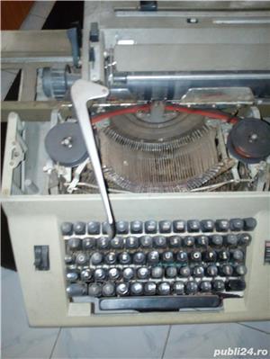 Masina  veche  de  scris - imagine 2