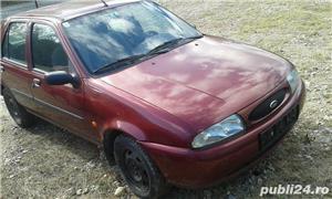 Dezmembrez Ford Fiesta 1.3 benzina 1999 - imagine 1