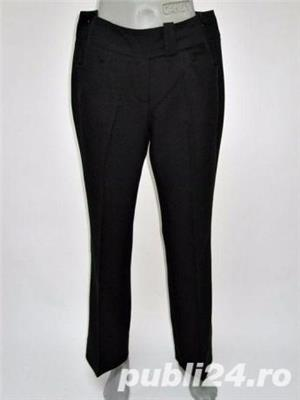 Pantaloni Noi de la BENETTON, stofa neagra, elastica, foarte frumosi si calitativi, marimi S, M, L - imagine 1