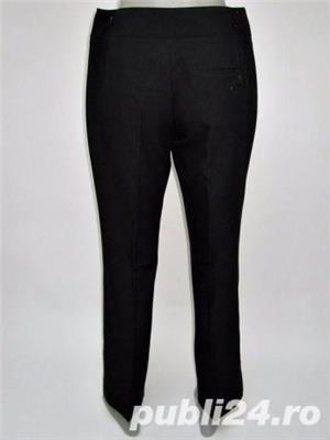 Pantaloni Noi de la BENETTON, stofa neagra, elastica, foarte frumosi si calitativi, marimi S, M, L - imagine 2