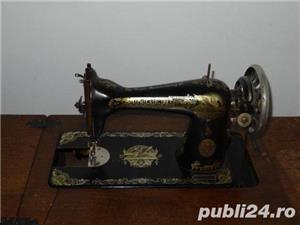 Masina de cusut Singer - imagine 2