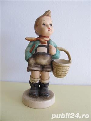 Bibelou din ceramica , baietel cu cos , vintage (5) - imagine 1