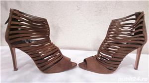 Pantofi dama de vara sandale toc elegante piele intoarsa Zara  - imagine 2