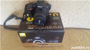 Vand Nikon D5600 18-55mm VR plus accesorii - imagine 1