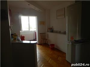 Apartament 2 camere-Decomandat-Centrala Proprie - imagine 2
