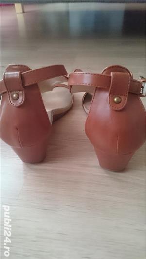 Sandale maro din imitatie de piele, cu talpa ortopedica, marimea 41 - imagine 4