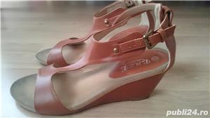 Sandale maro din imitatie de piele, cu talpa ortopedica, marimea 41 - imagine 1