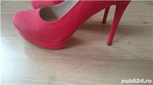 Pantofi cu toc corai din piele intoarsa, marimea 40 - 40,5 - imagine 6