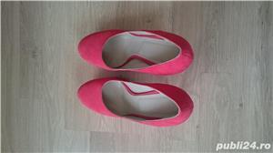 Pantofi cu toc corai din piele intoarsa, marimea 40 - 40,5 - imagine 2