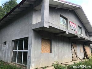 Case/ Vila Bucium (Barnova) in sistem duplex la sosea - imagine 3