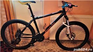 Bicicleta B'Twin RockRider 500 (2015) - imagine 1