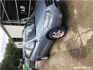 Hyundai Grand Santa Fe - imagine 8