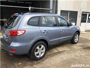 Hyundai Grand Santa Fe - imagine 5