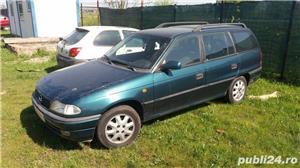 Dezmembrez Opel Astra F - imagine 1
