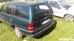 Dezmembrez Opel Astra F - imagine 3