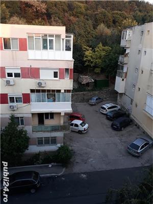 Vand apartament 2 camere - imagine 8