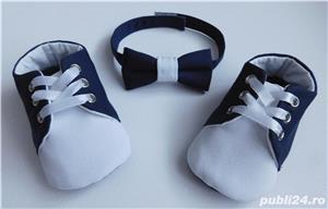 Set botez bebe papucei si papion - imagine 4