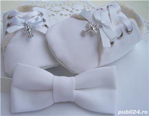 Set botez bebe papucei si papion - imagine 2