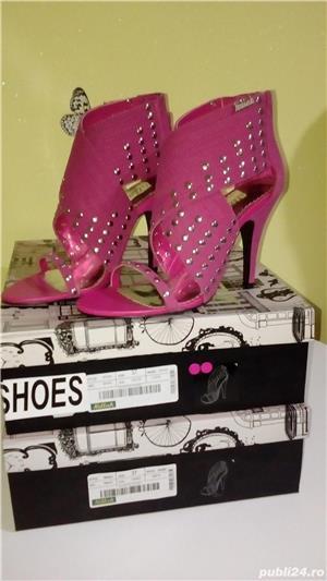 Sandale Killah by Miss Sixty noi in cutie,2 culori,roz si negru,mas 37 - imagine 2