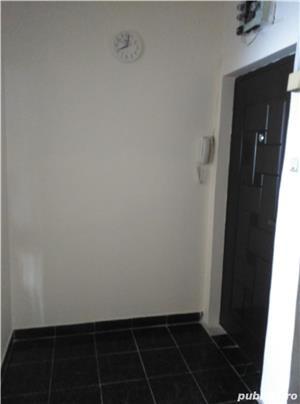 Particular vind apartament 2 camere zona spital jud  - imagine 6