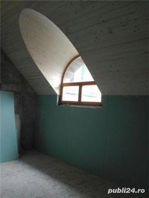 Mansarde cu lemn, rigips, grinzi ornamentale, ancadramente ferestre - imagine 7