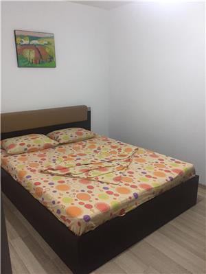 Apartament 2 camere decomandate sat vacanta Mamaia  - imagine 5