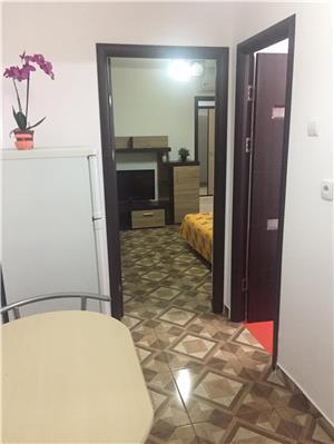 Apartament 2 camere decomandate sat vacanta Mamaia  - imagine 10