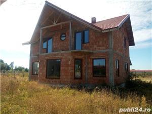 Casa la rosu in Busag, 180 mp, inchisa cu termopan si tencuita - imagine 1