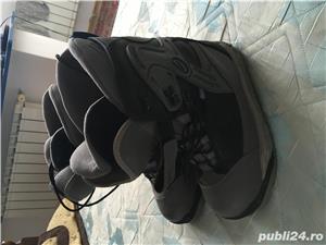Boots placa - imagine 1