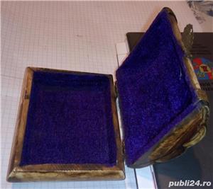 Caseta sculptata din os cu intarsii din alama 11x8,5x5 cm handmade - imagine 2