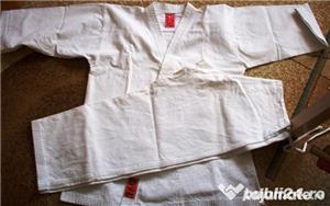 Kimono karate adolescent + centura albastra gratuit - imagine 1