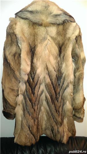 Vand haina noua din blana de lup siberian - imagine 2