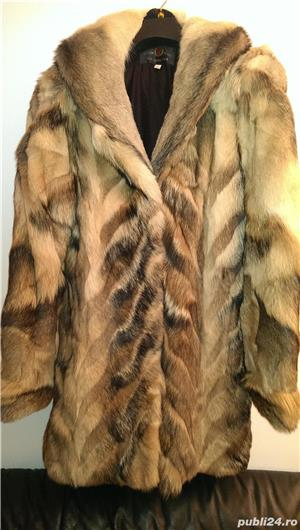 Vand haina noua din blana de lup siberian - imagine 1