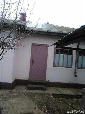 Casa de vanzare la tara  - imagine 2