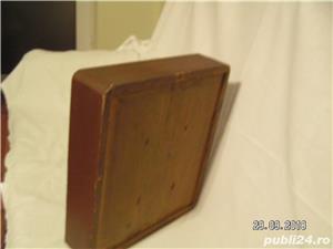icoana veche in caseta lemn - imagine 2