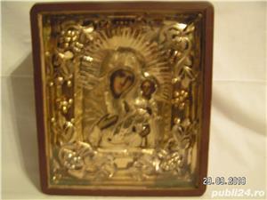 icoana veche in caseta lemn - imagine 1