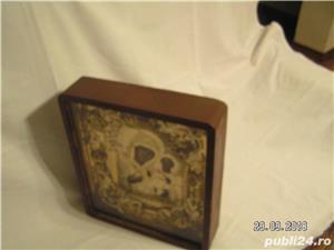 icoana veche in caseta lemn - imagine 3