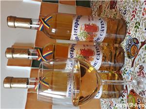 Vând Vin de cătină albă din soiul Mara şi Clara 28 de lei sticla de 750ml  - imagine 2