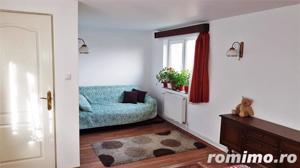 Casa cu 5 camere, 900 mp teren, pretabila pentru 2 familii - imagine 9
