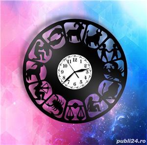 Ceas de perete din vinil Zodiac - imagine 3