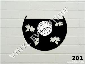 Ceas de perete din vinil - acvariu cu pesti - imagine 1