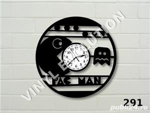 Ceas de perete din vinil Pac Man - imagine 1