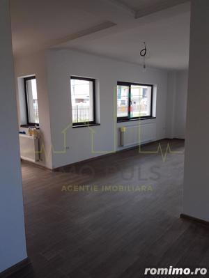 1/2 duplex cu arhitectura moderna, finisaje la alegere - imagine 3